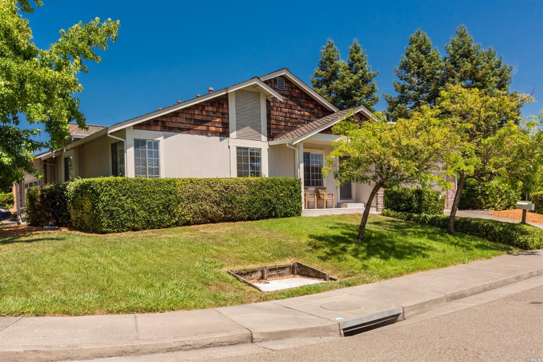 696 Draco Drive, Petaluma, CA