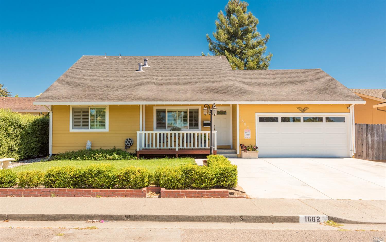 1682 Peggy Lane, Petaluma, CA