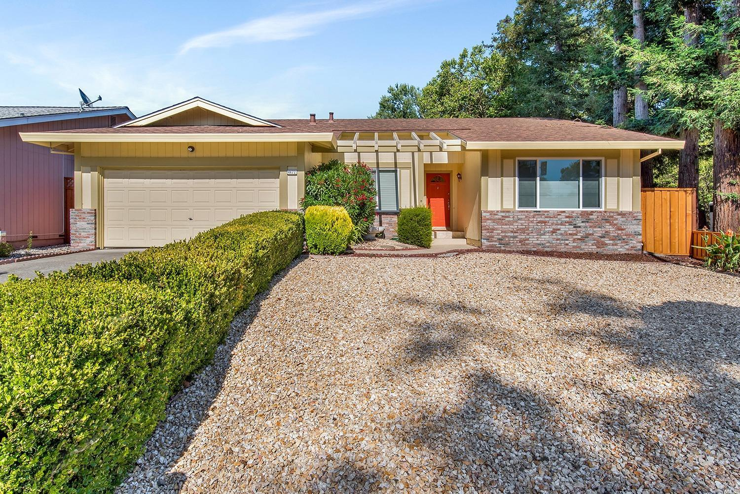 4472 Hillview Way, Rohnert Park, CA