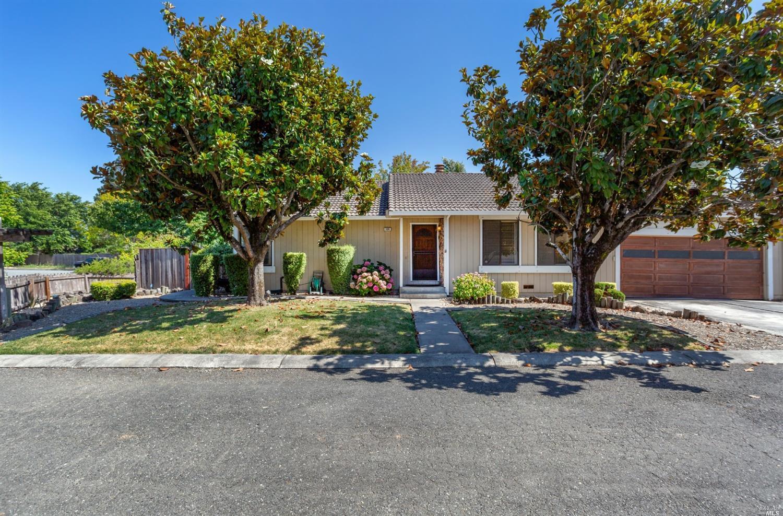 124 Prince Albert Street, Petaluma, CA