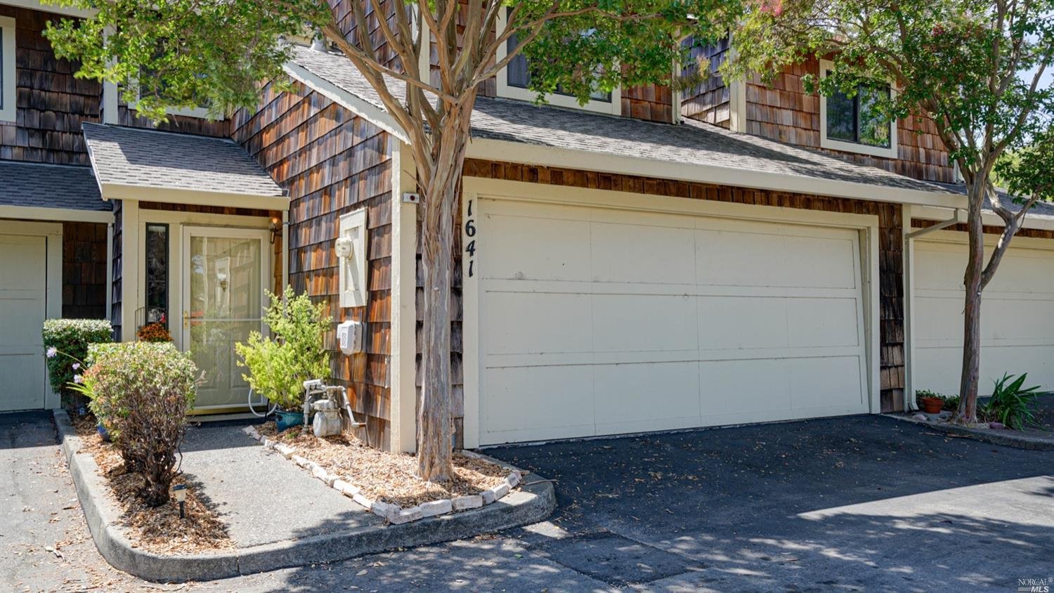 1641 Creekview Circle, Petaluma, CA