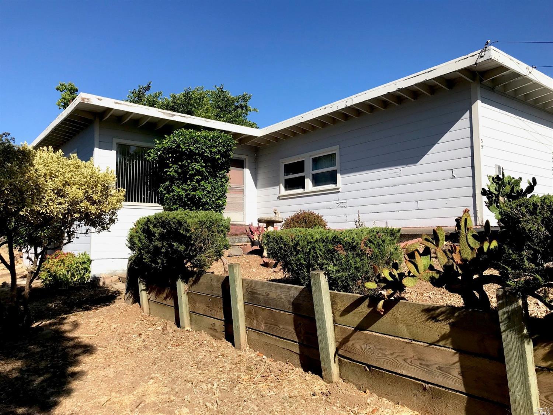 35 Kelly Lane, Petaluma, CA