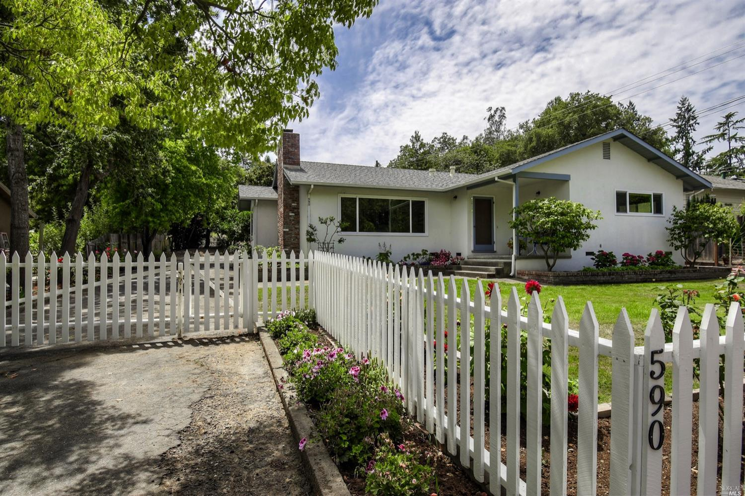 590 West Cotati Avenue, Cotati, CA