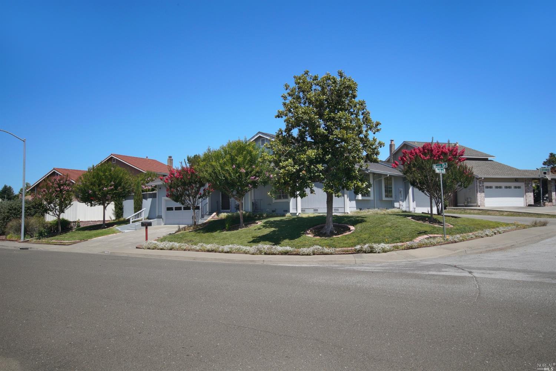 1025 Wren Drive, Petaluma, CA