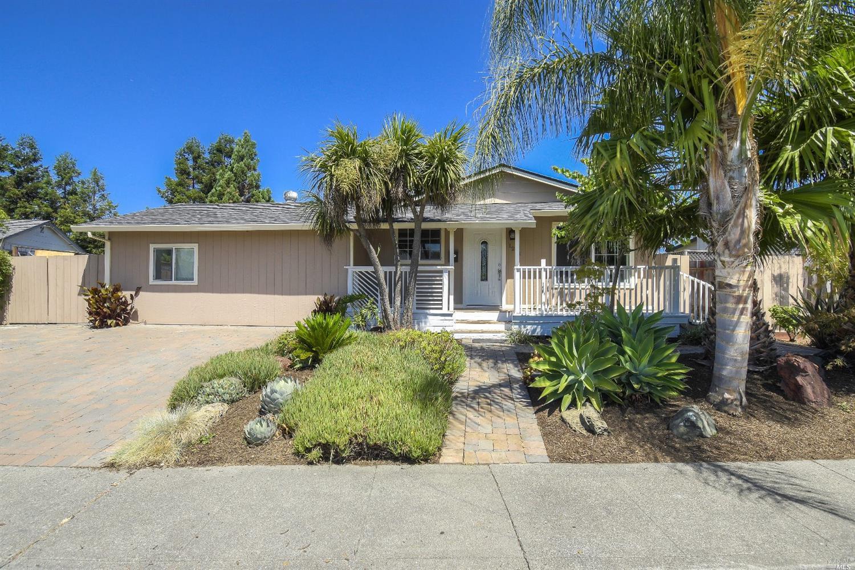 1271 San Rafael Drive, Petaluma, CA