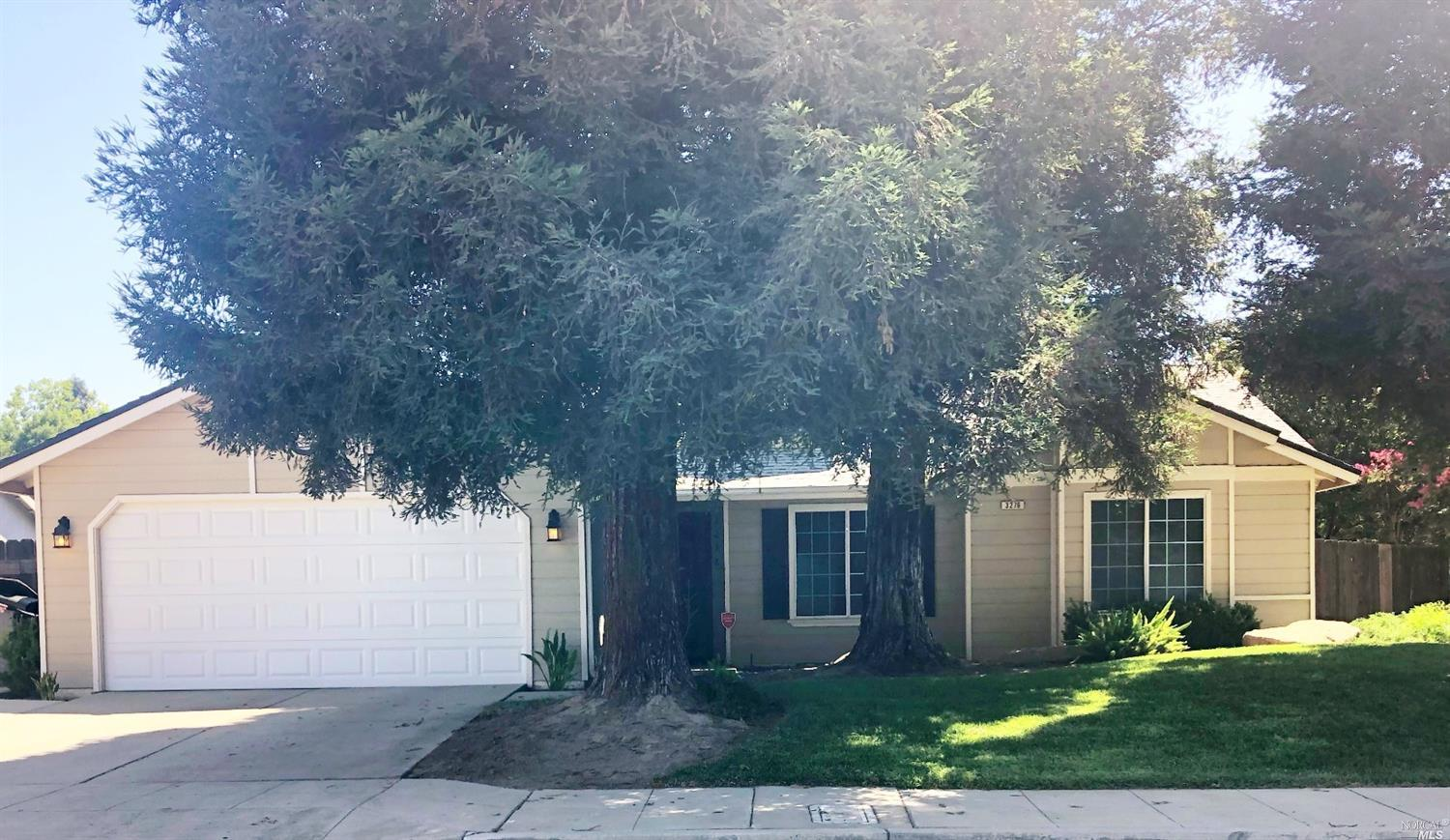 Photo of 3276 North Constance Avenue, Fresno, CA 93722