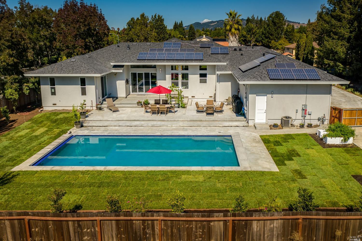 1704 William Drive, Penngrove, CA