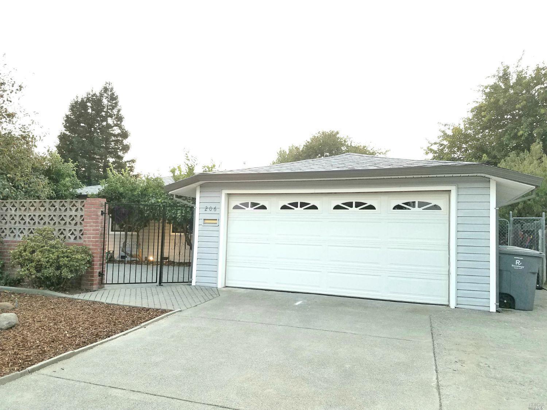 Photo of 206 Mariposa Avenue, Vacaville, CA 95687