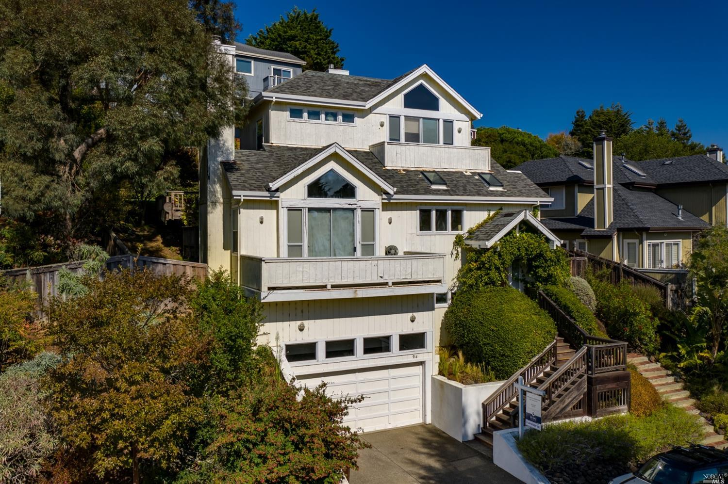 Photo of 914 Ventura Way, Mill Valley, CA 94941