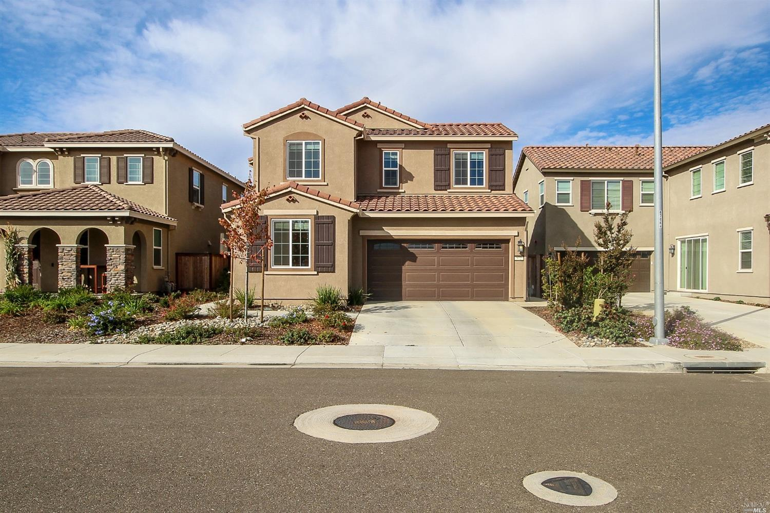 Beautiful upgraded new home! EZ commute to Travis AFB. Built in 2017 by Meritage Homes. One full bat