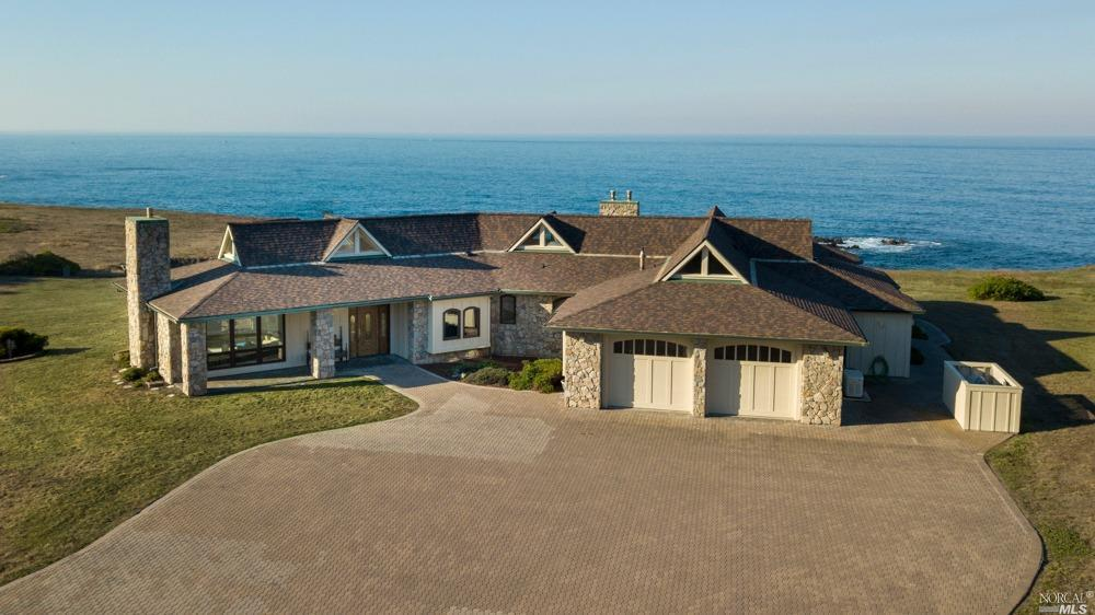 Photo of 17270 Ocean Drive, Fort Bragg, CA 95437