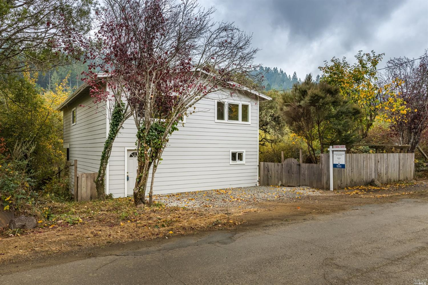 Photo of 17990 Lark Drive, Guerneville, CA 95446