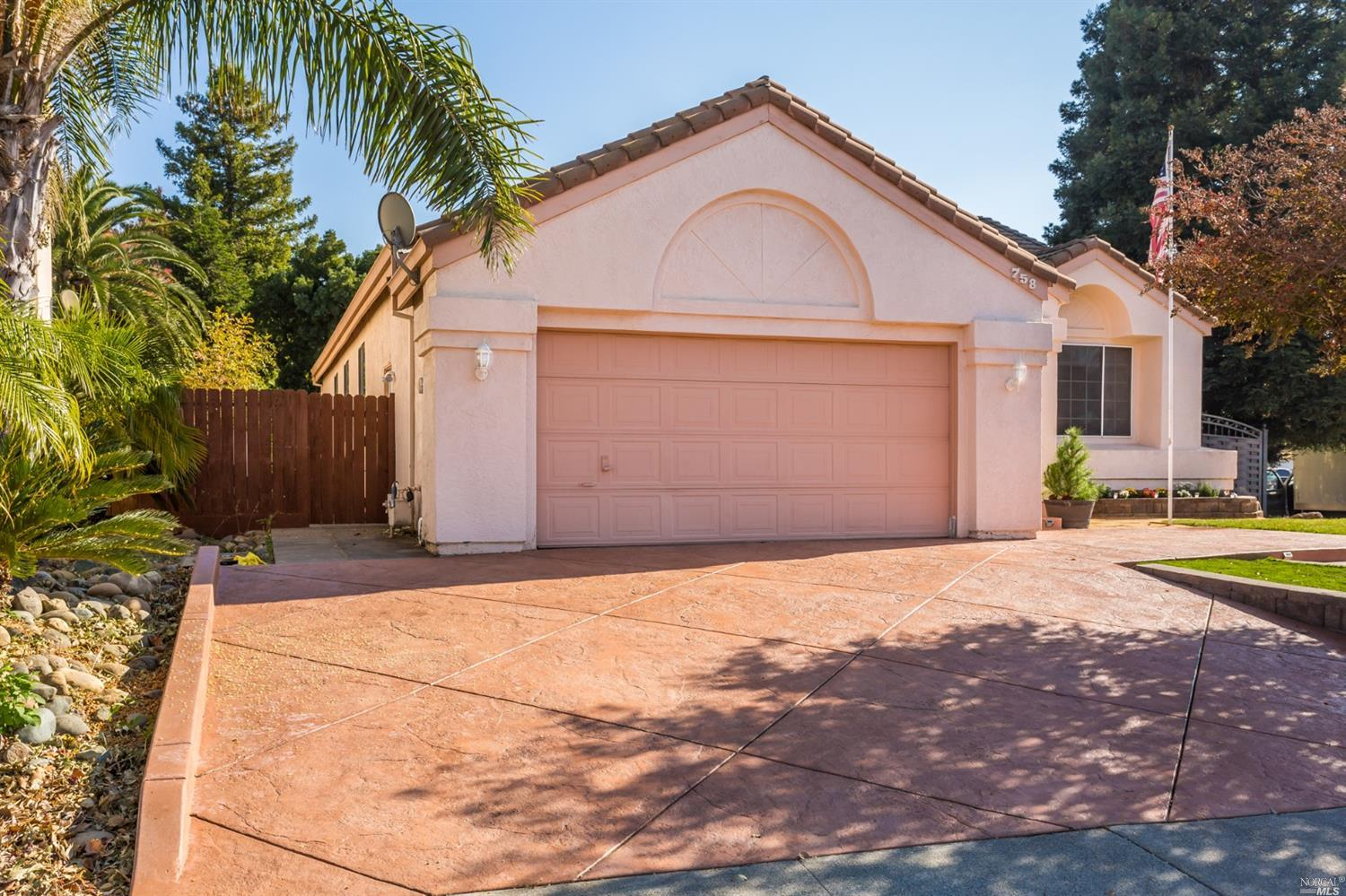 Photo of 758 Tipperary Drive, Vacaville, CA 95688
