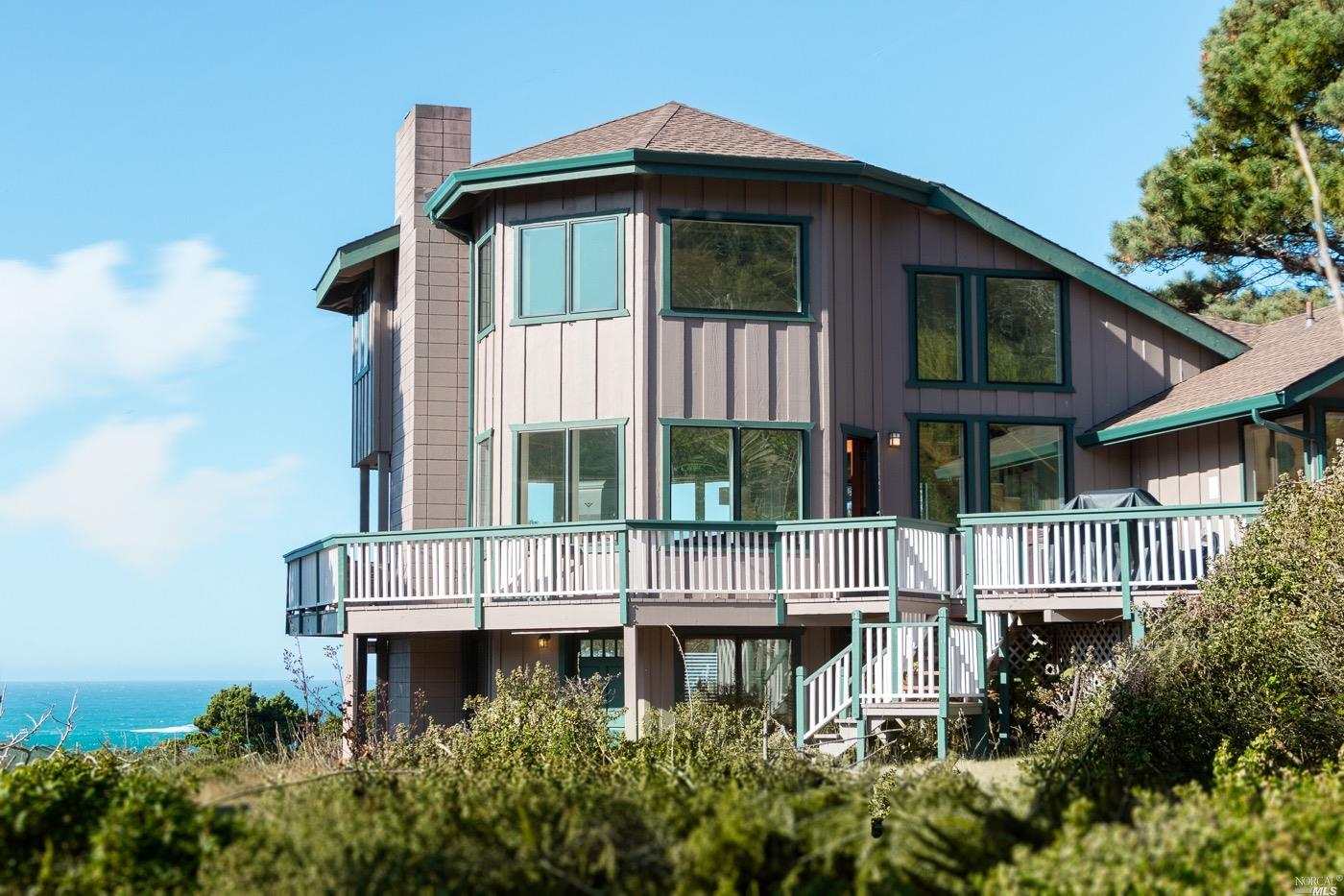 Photo of 6002 North Highway 1 Highway, Little River, CA 95456