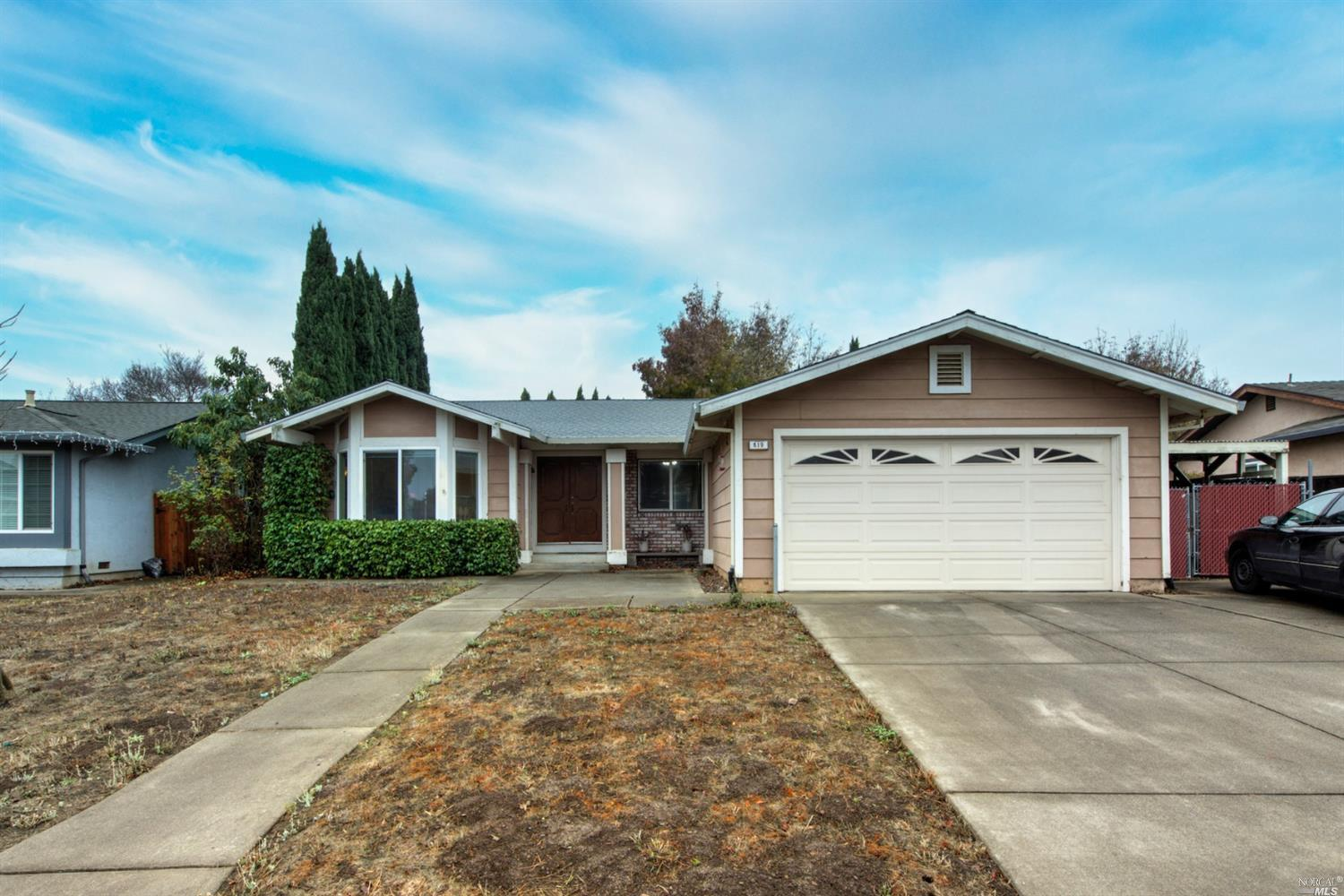 Cordelia move-in ready single story with RV/boat parking. Spacious open floor plan offers laminate f