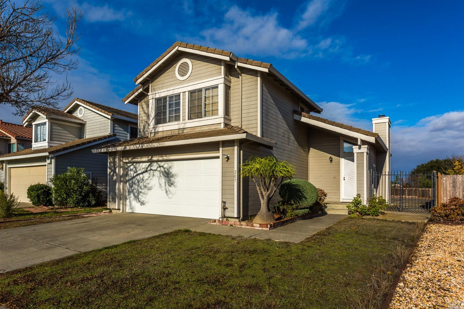 This is an excellent opportunity to own a Coventry Hills home in East Vallejo.  With 3 beds and 2 1/