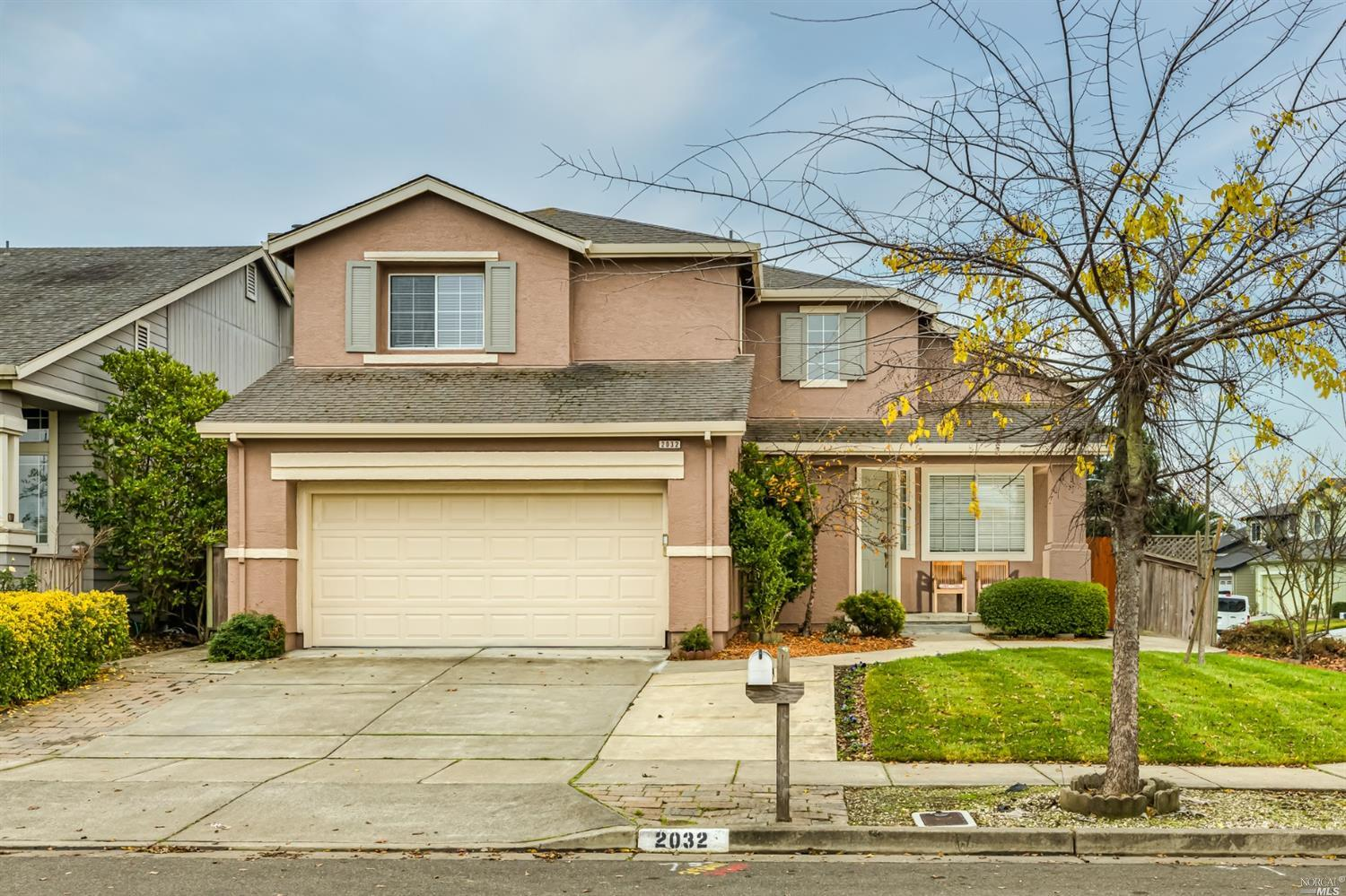 Prepare to fall in love!  Welcome to this sunny, spacious home in Bellevue Estates located on a larg