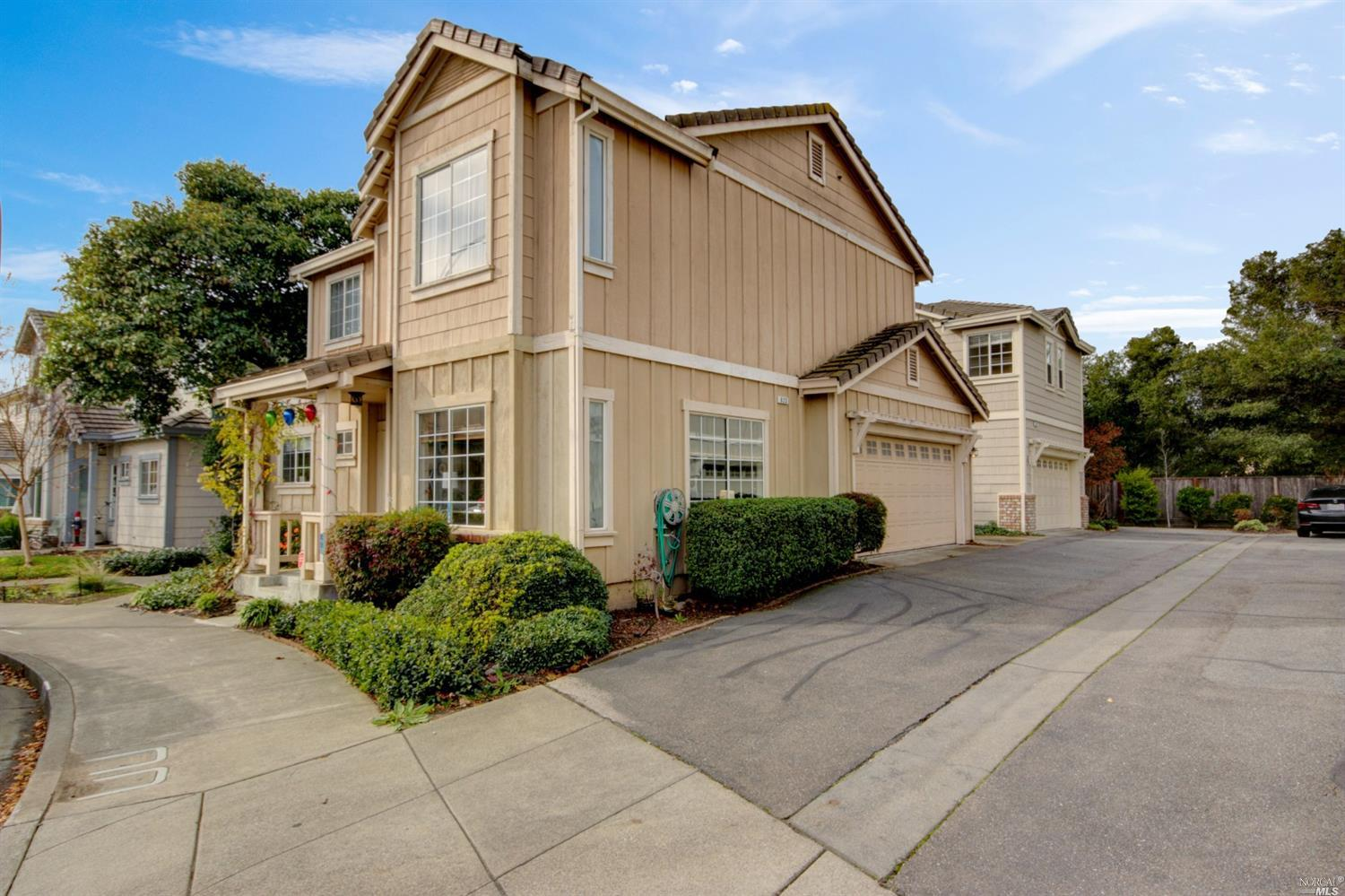 623 Searles Way, Petaluma, CA