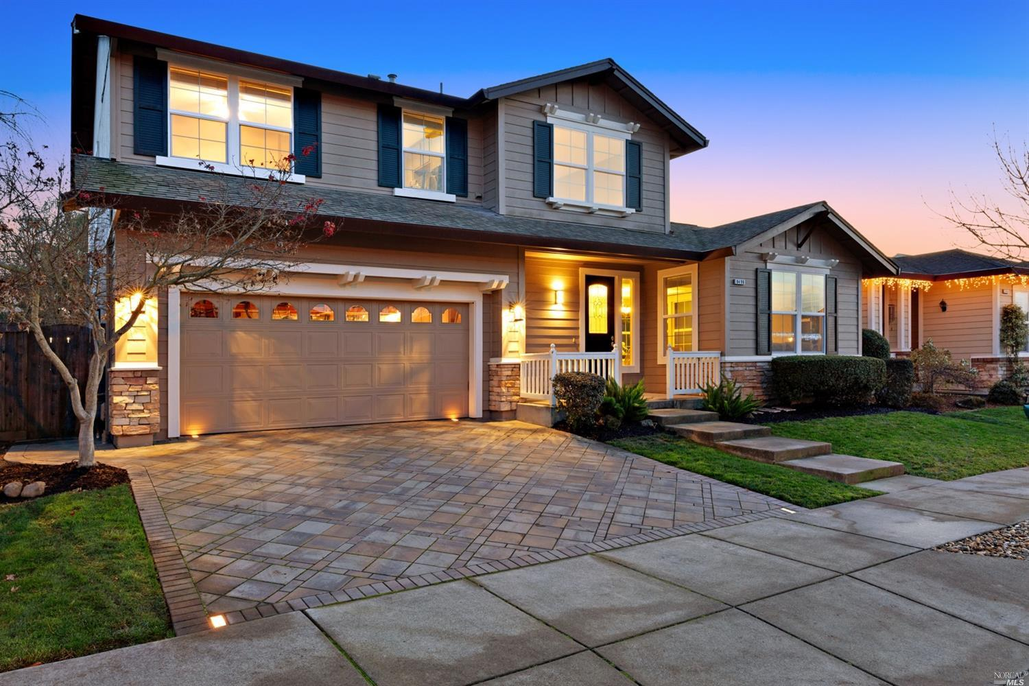 This well maintained Vintage Green home offers 4 bedrooms and 3.5 baths, with new beautiful tile flo