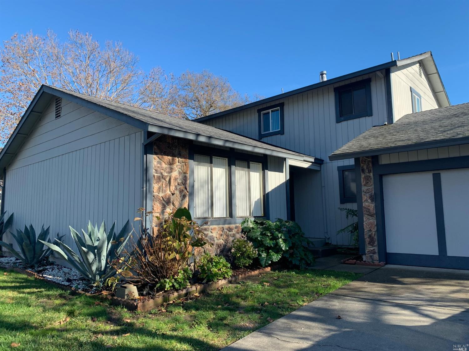 2335 Copperfield Dr, Santa Rosa, CA, 95401