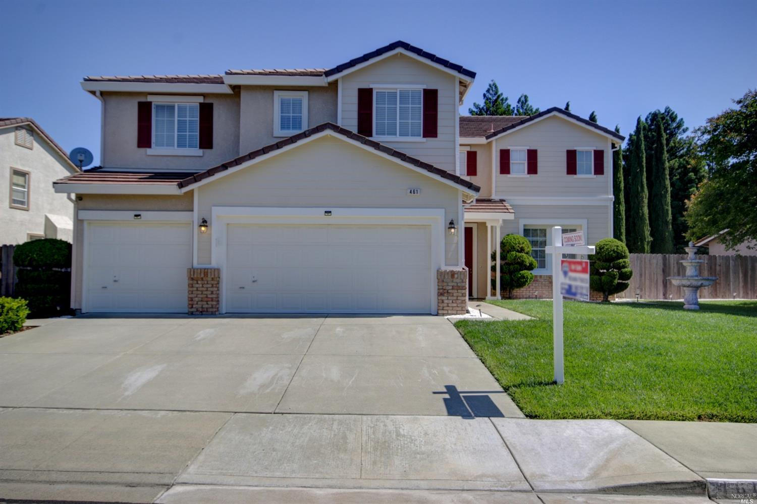 Photo of 461 Gatehouse Drive, Vacaville, CA 95687