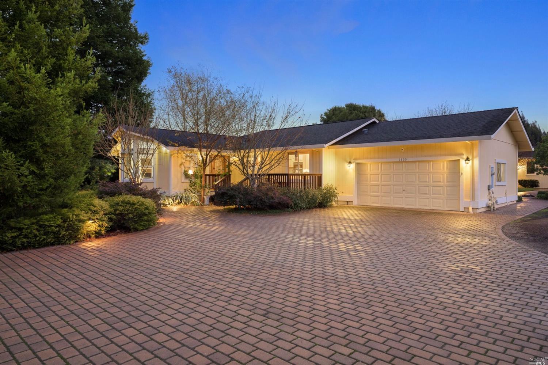 1830 E Cotati Ave, Penngrove, CA, 94951
