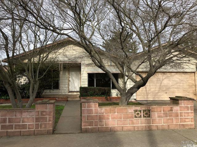 CUTE 3 bed 2 bath home with NEW paint and NEW carpet, RV parking, large workshop in back, separate l
