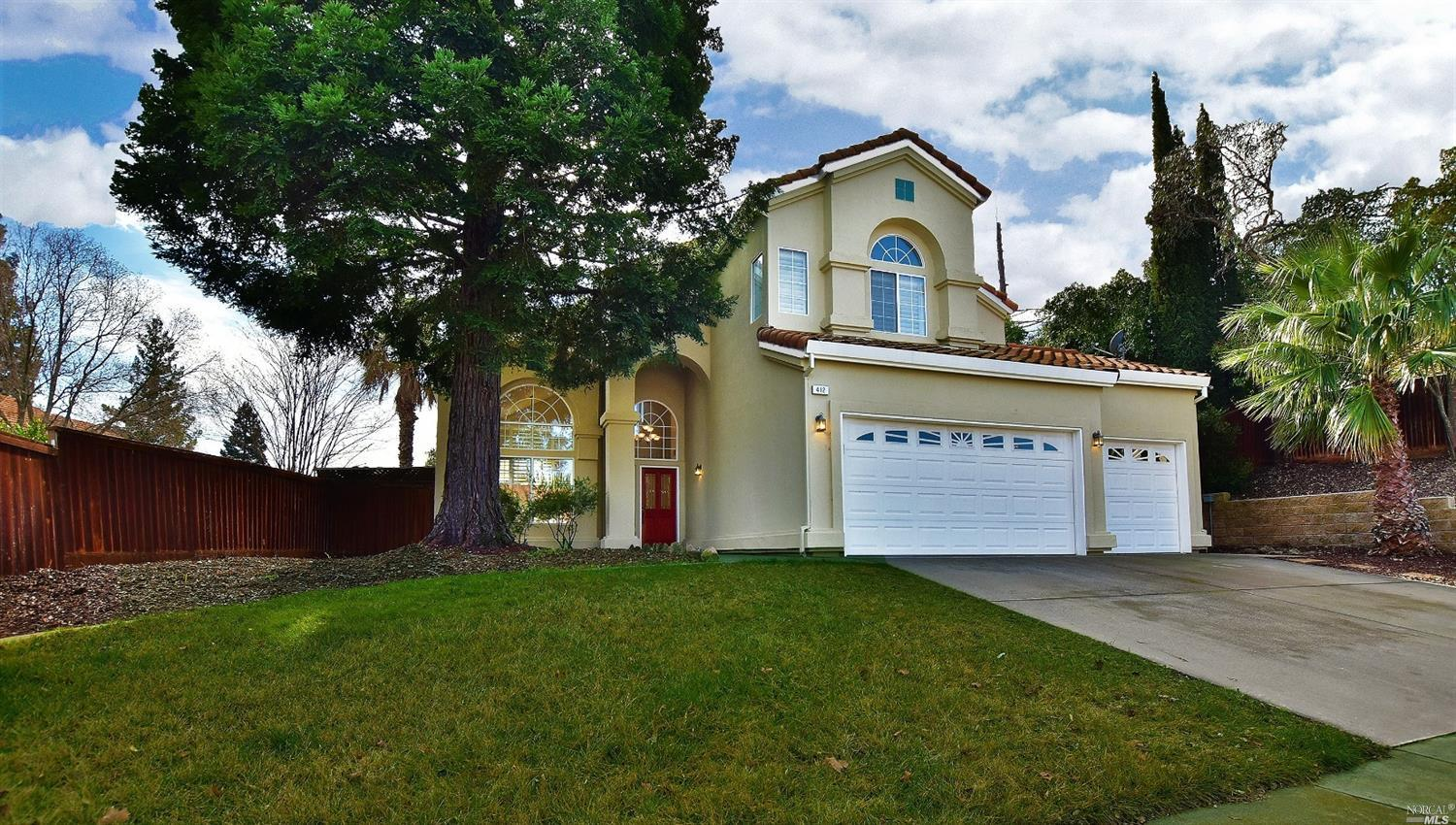 Beautiful well maintained 4 bedroom 3 bathroom Browns Valley home in desirable Sungate Community tuc