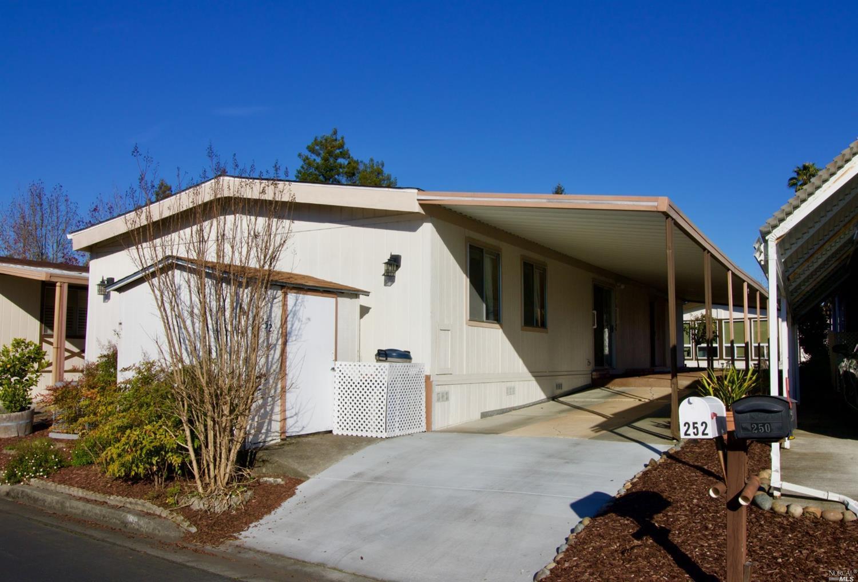252 Circulo Tierra, Rohnert Park, CA, 94928