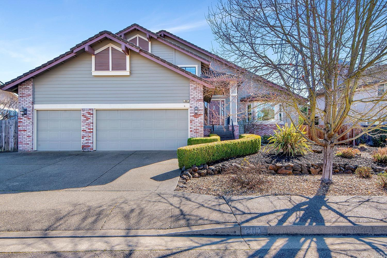 You'll Love Every Inch of This Well-Maintained Home! Located in the desirable Oak Park neighborhood,