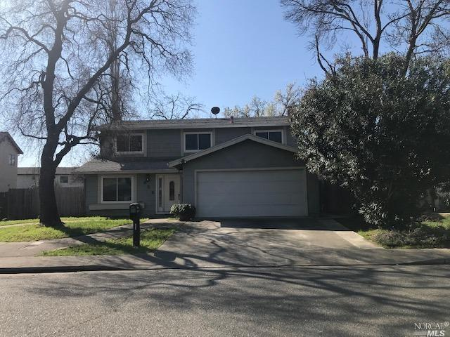 Very spacious (1840 Sq Feet) 4 bedroom, 2.5 bath home located in Stratford Manor Subdivision, a shor