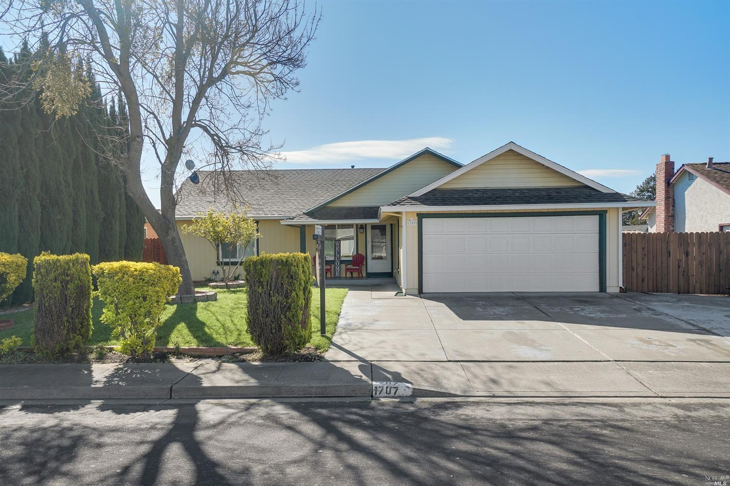 This is the one you've been waiting for! Well maintained 4 bed 2 bath home in Montebello Vista. This