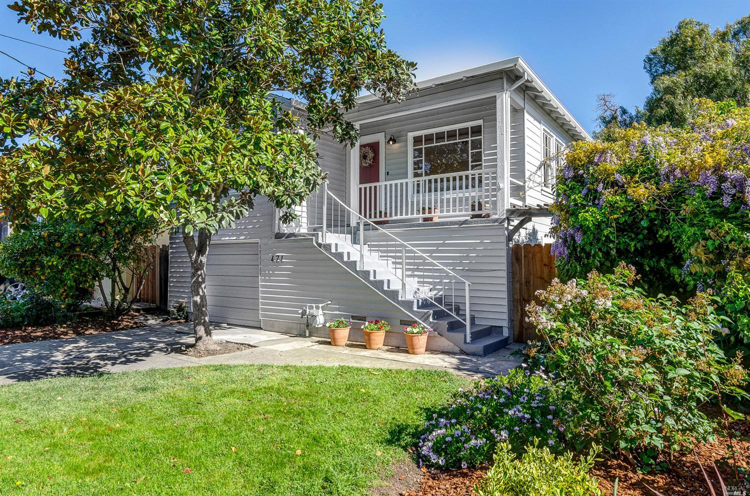 This adorable downtown home is close to schools, shopping, and restaurants. The home has the origina