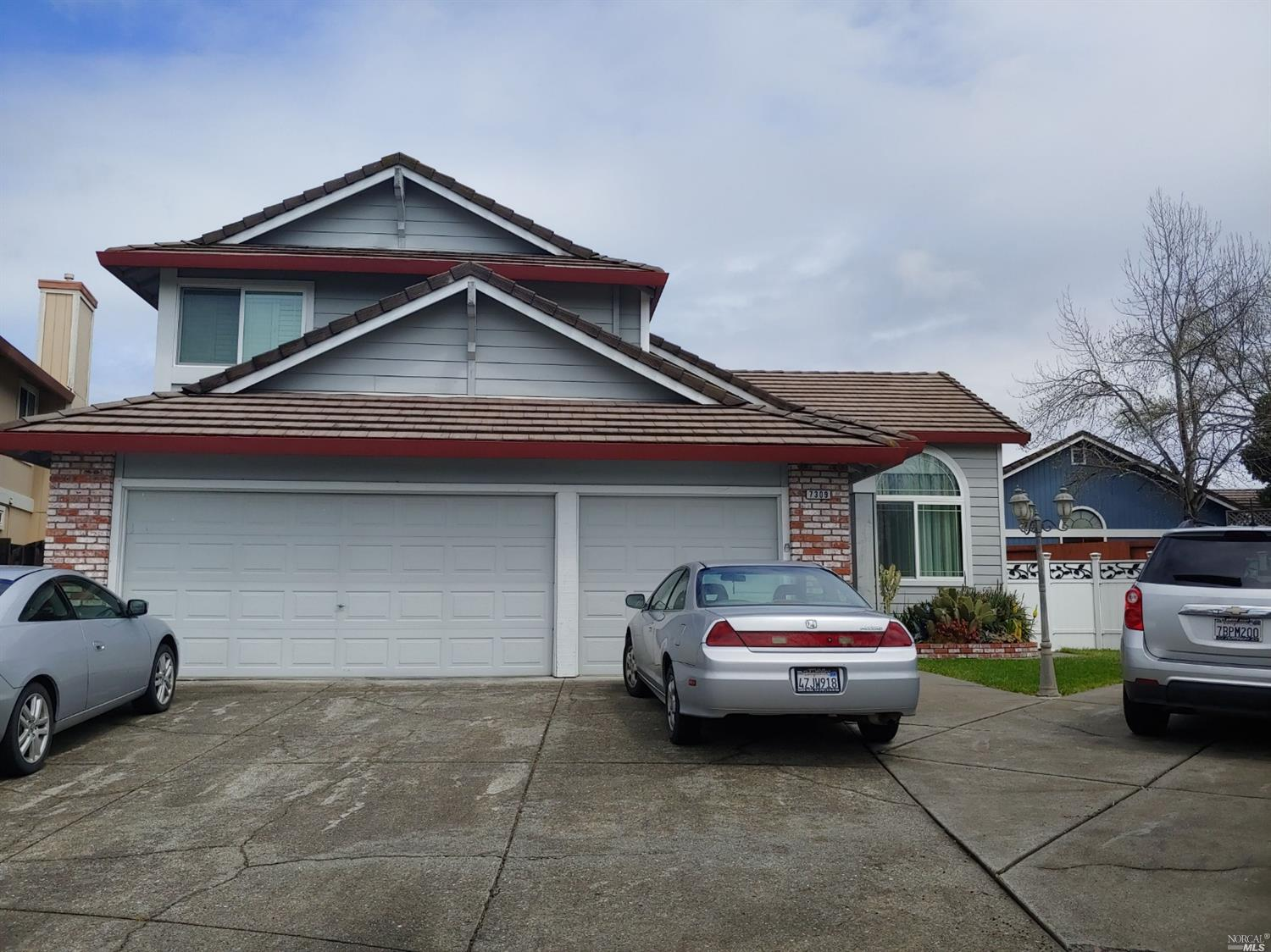 This beautiful home located close to Sonoma State and Co signers are welcome!! Some features include,  laminate floors, gas range, refrigerator, washer and dryer, duel pane window, home updated through out. Large back and side yard, RV parking. Available June 1.  Sorry, no pets.
