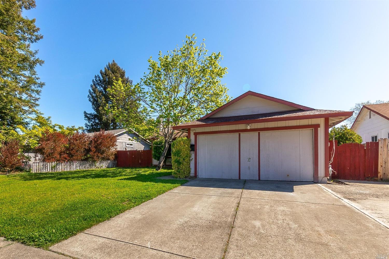Photo of 7407 Circle Drive, Rohnert Park, CA 94928