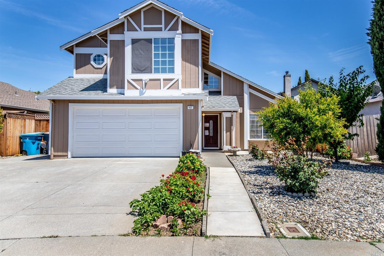 Great curb appeal! This home features 4 spacious bedrooms, two and a half bathrooms. As you enter in