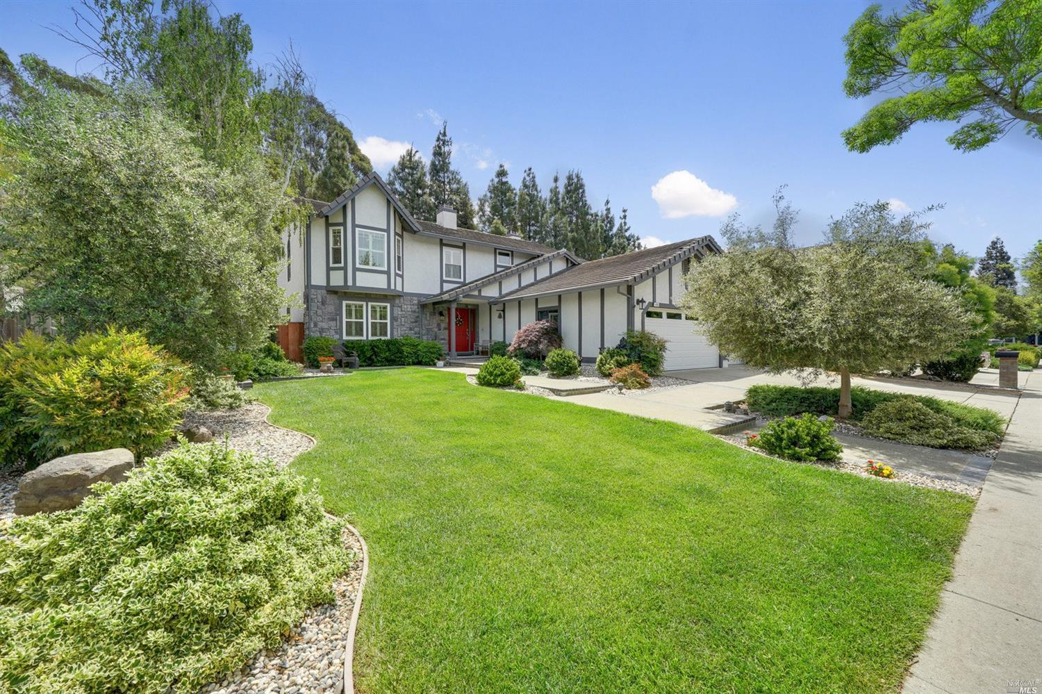 Welcome to this rare offering ~ This pristine beauty offers simple elegance throughout.The open conc
