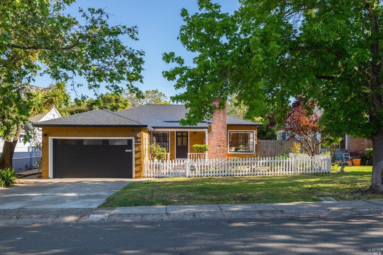 Step back in time with this charming, beautifully renovated 3 bedrooms and 1 bath home.  Having been