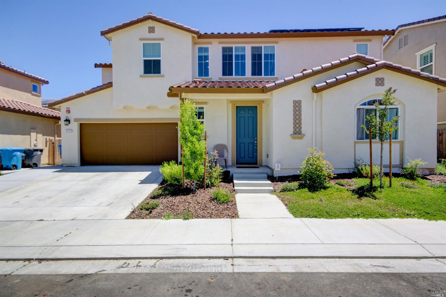 Beautiful 2 Story home with Open floor concept,4 bedrooms and 4 baths, guest bedroom downstairs with