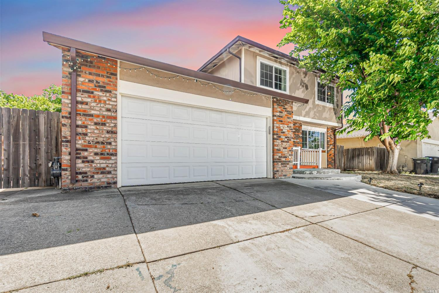 Immaculate & Tastefully Remodeled Home Better Than New, 4 bedrooms 3 Full Bathrooms, Elegant Chefs D
