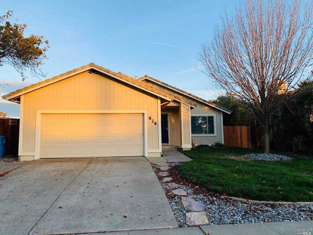 Desirable home and neighborhood!!! Welcome home to this beautiful traditional single story, designed