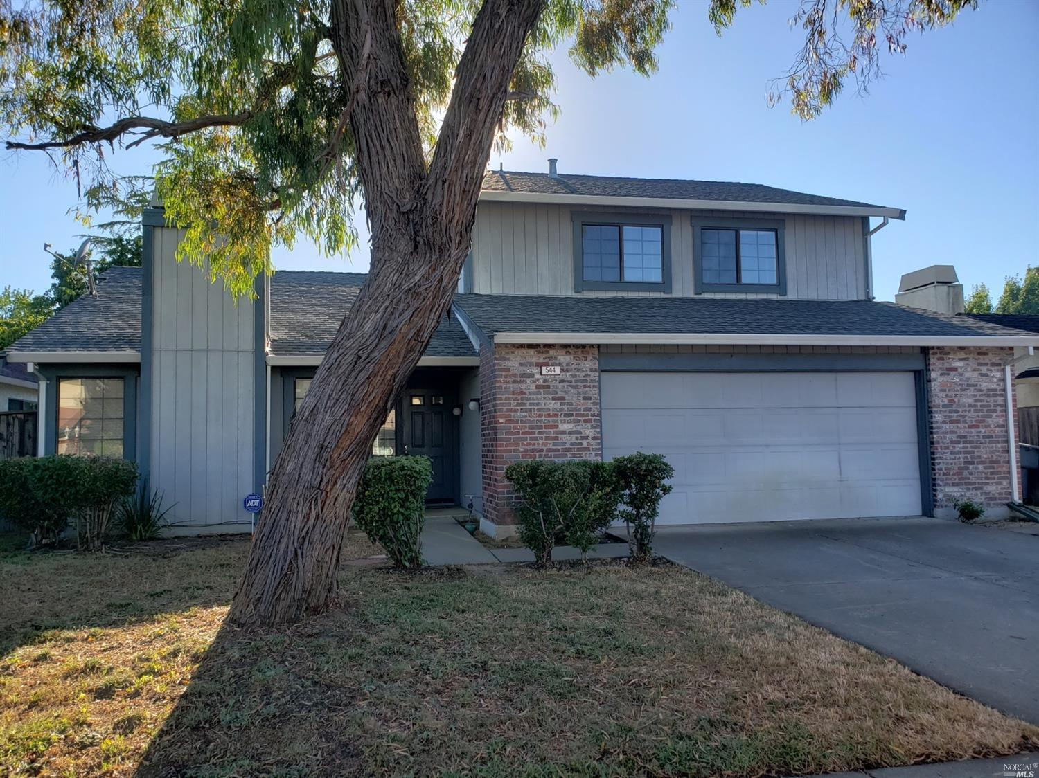 Your new home is right here! Located in a nice neighborhood. Two story home with spacious floor plan