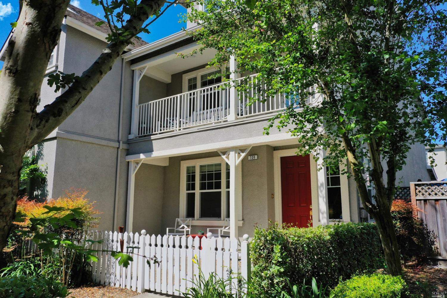 Modern, spacious and meticulously-maintained 3br/3ba Napa townhouse. Dual masters with crown moulding, full baths and walk-in closets. Gorgeous new Pergo Outlast+ waterproof flooring in kitchen, living and dining rooms; plush new carpets and tile elsewhere. Newly customized granite kitchen includes expanded counter and cabinet space, with breakfast bar/workspace. Updated bathrooms. Pristine, move-in-ready condition, zero maintenance yard and low HOA make this the perfect primary or secondary home in the beautiful Napa Valley.   FEATURES: Quiet, peaceful court setting,  Sunny front courtyard and 2nd-floor veranda, 2-car garage with storage racks, Kitchen granite counters and GE stainless steel appliances,   Laundry room, Hunter Douglas blind