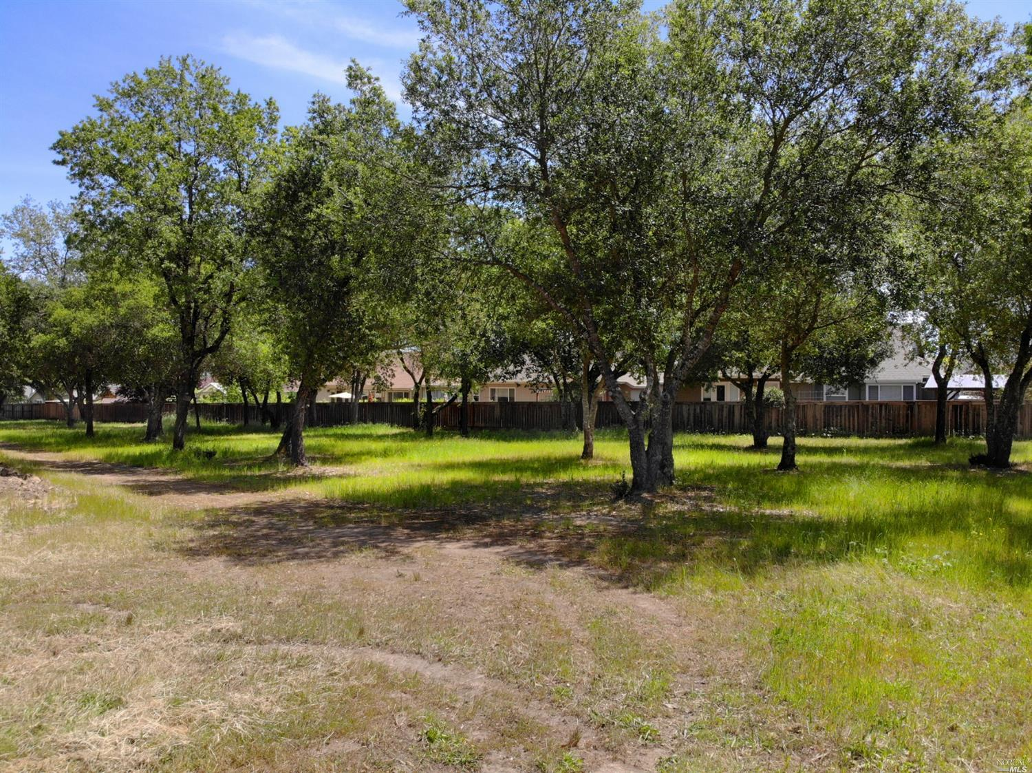 Listing 22016311 : 593  W 2nd Street, Cloverdale, CA, 95425  (photo 4)