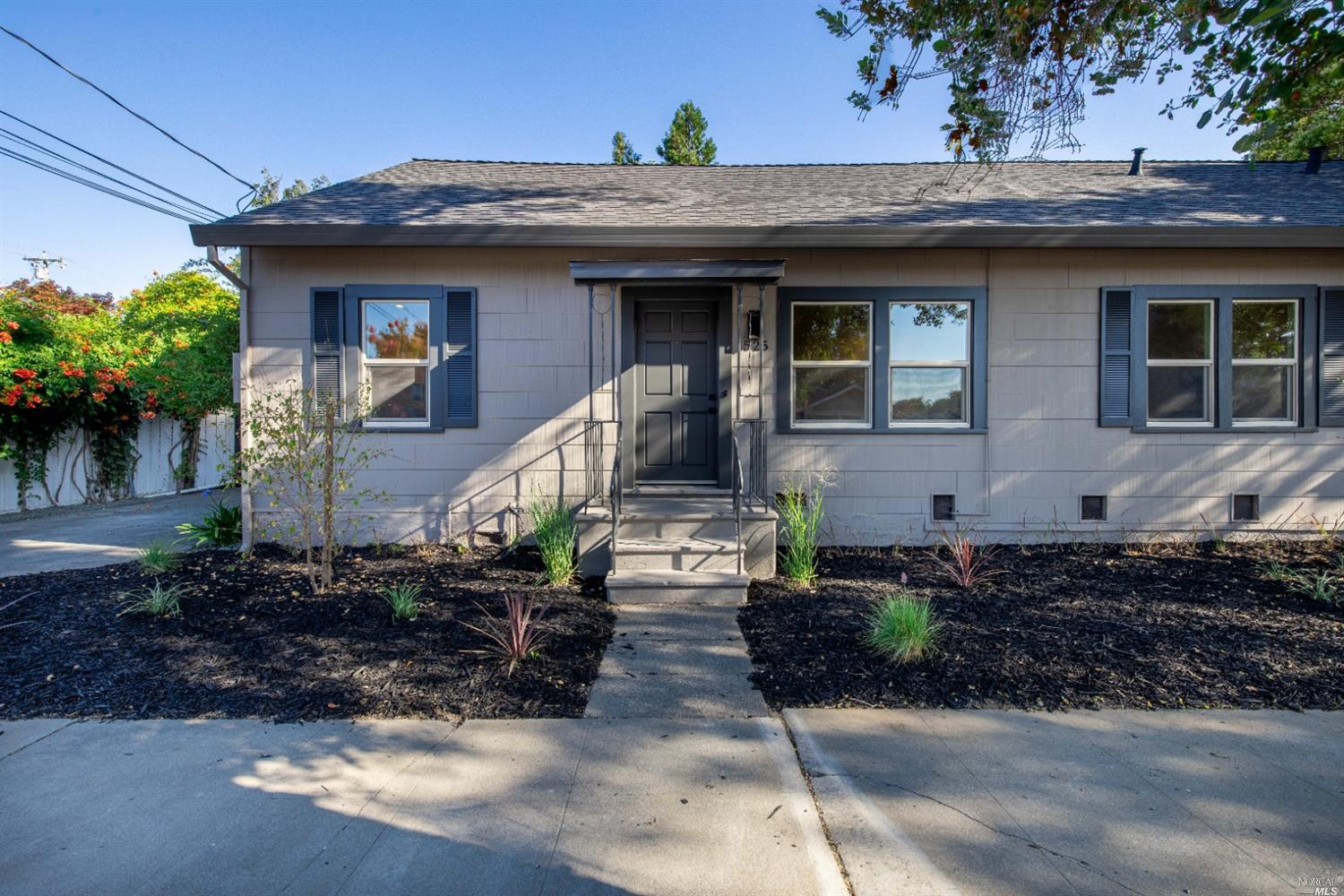 Napa living at its finest!  This beautifully renovated two bedroom, two bathroom duplex is just minutes from Downtown Napa.  All new appliances including washer, dryer, refrigerator, dishwasher, gas range and microwave. Large bedroom and full bath downstairs, spacious upstairs master suite, refinished hardwood floors, beautifully updated kitchen with quartz countertops, air conditioning, single car garage and landscaped backyard.