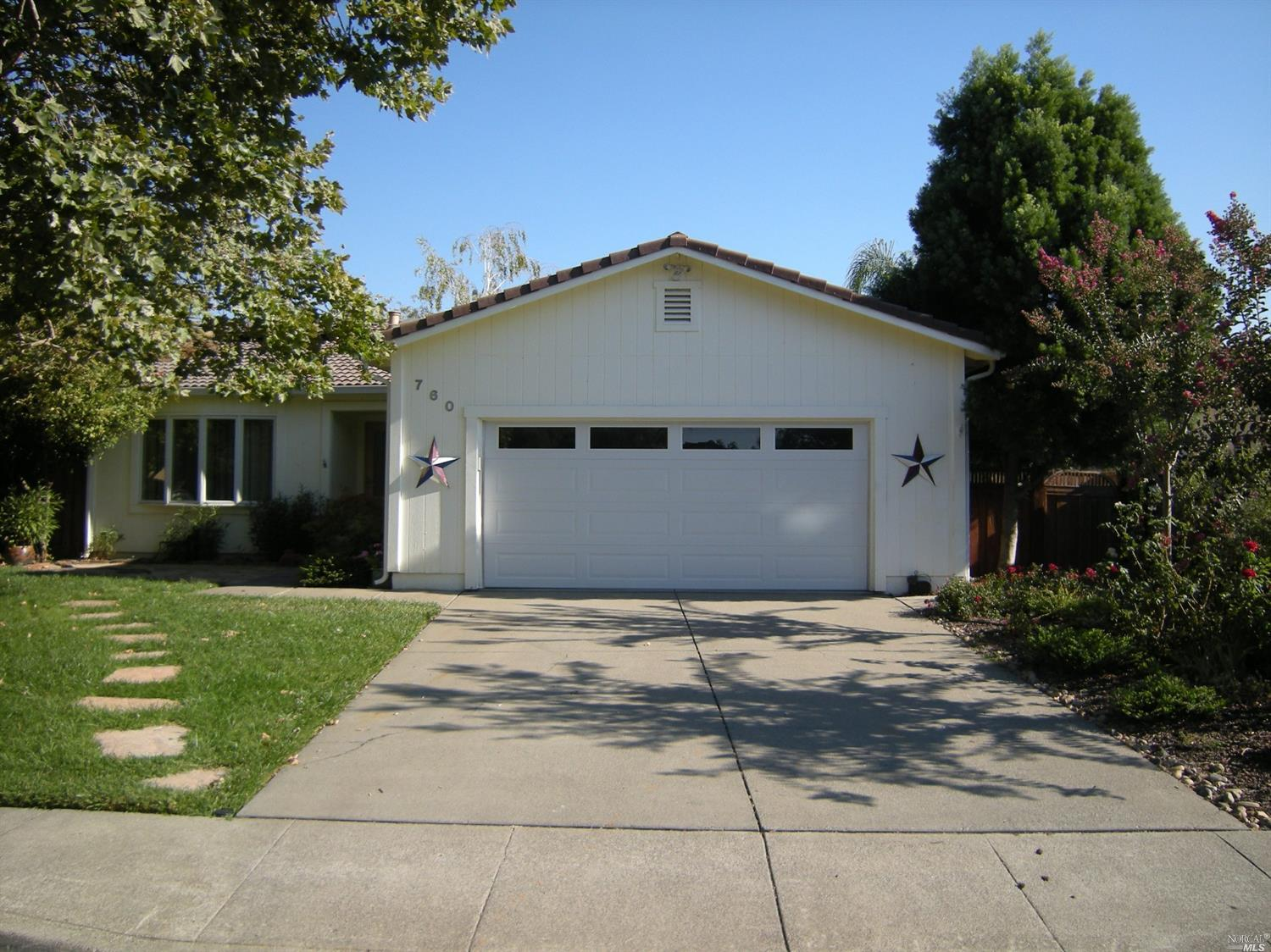 Great home with 100% paid for solar, Updated kitchen with maple cabinets and Silestone counter tops,