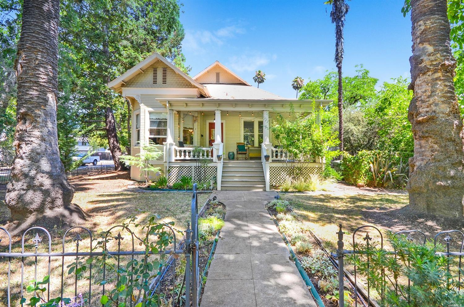 1905 Queen Anne Victorian one block from downtown Calistoga. Community Commercial Zoning. Mixed use or Commercial usage possible. Possible upstairs addition potential.  Offices,Medical,Retail and or live work opportunity. Large open front porch. Tile bathroom. Fireplace. Large lot.
