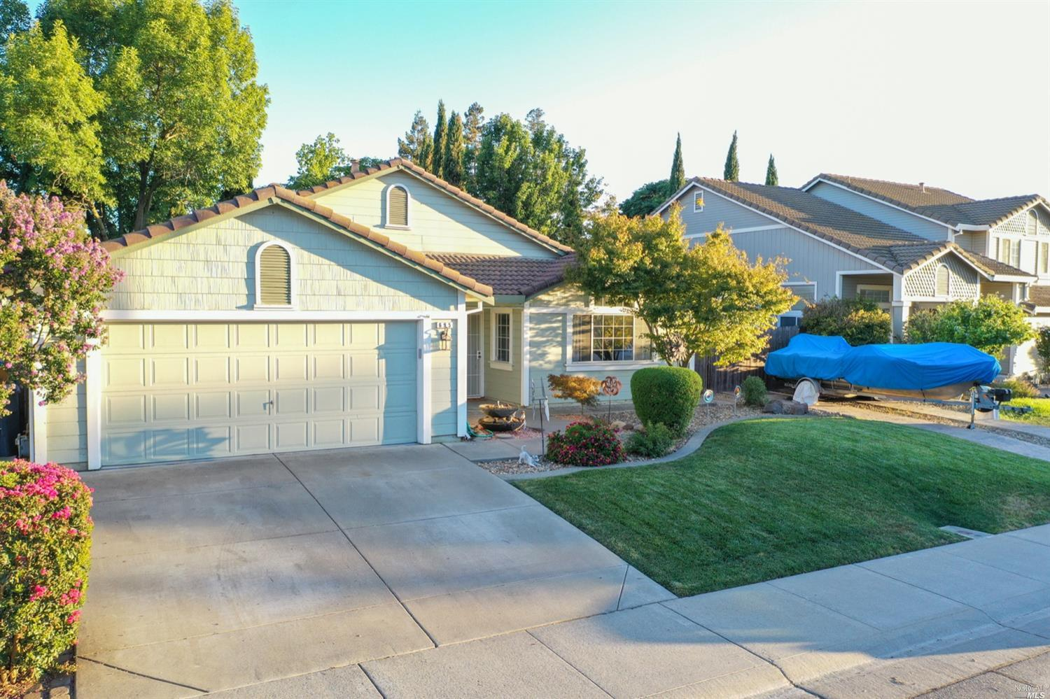 695 Fountain Wy, Dixon, CA, 95620