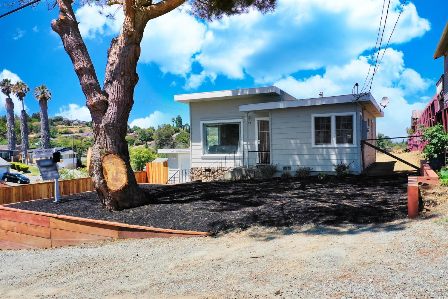 Cute 2 bed 1 bath home on a huge lot with RV/Boat Parking.   Lots of recent updates including kitche