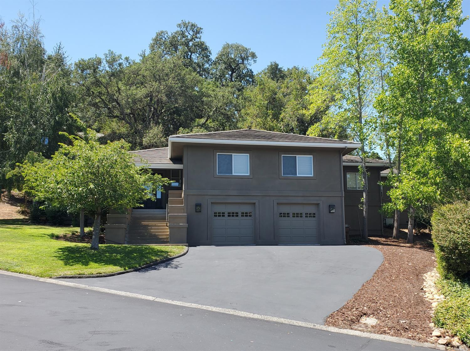 Come and escape to this special offering in Napa. Custom built home minutes away from all of the sho